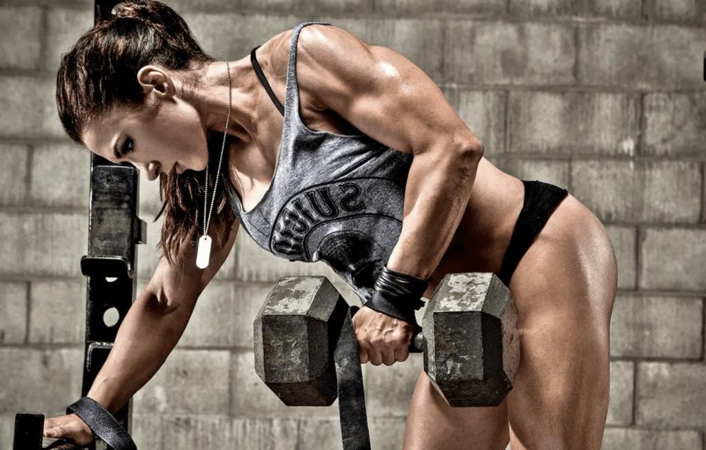 Ganar masa muscular - trabajo con mancuernas